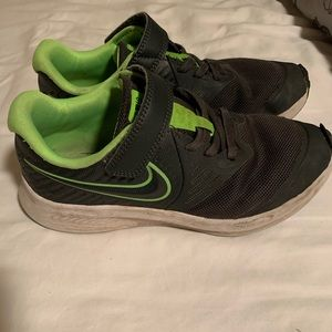 Boys Nike Sneakers size 1.5Y
